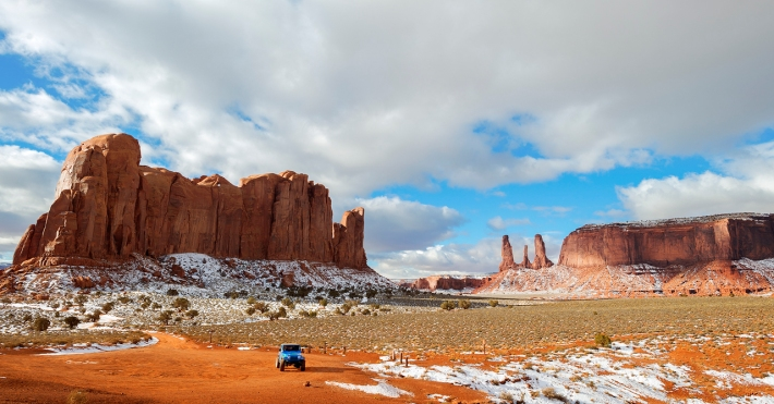 Touring backcountry Monument Valley on Jeep