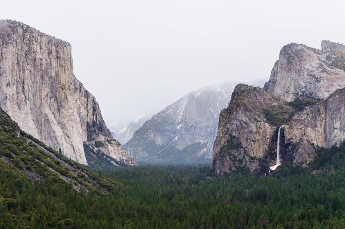 Yosemite tunnel view photo